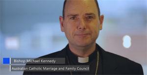 Video van Mgr. Kennedy voor een maand van gebed